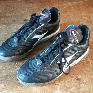 Black Diadora Soccer Shoes 8.5